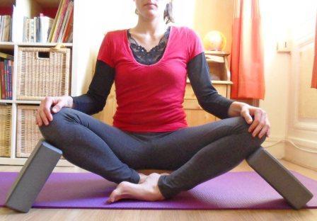 bien s'asseoir en yoga