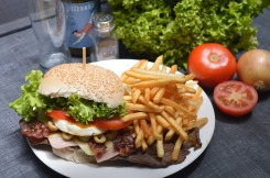 burger-2034433_1920
